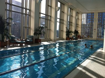 The Chicago Peninsula pool overlooks Michigan Avenue's Mag Mile. (J Jacobs photo)