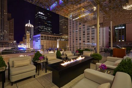 Peninsula Chicago Z Bar overlooks Michigan Avenue. (Peninsula photo)